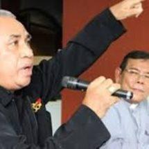 Uskup Leo Mendukung Pastor Djongga Meresmikan Kantor DAP Lapago