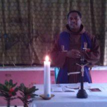 Berdoa bagi keempat saudara yang ditembak mati, 8 Desember 2014 di Paniai